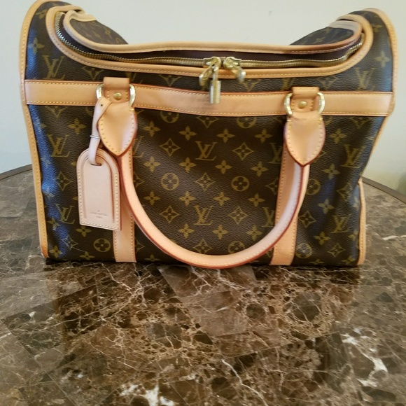c7cb55205d7 Louis Vuitton Handbags - Holiday sale!!! Louis Vuitton dog carrier